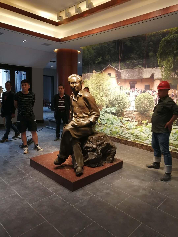 潜江锻铜体育app万博下载,铸铜体育app万博下载,毛泽东雕像,毛泽东铜像